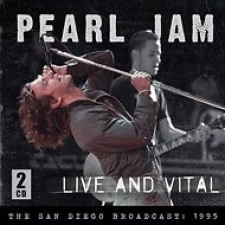 PEARL JAM-LIVE AND VITAL