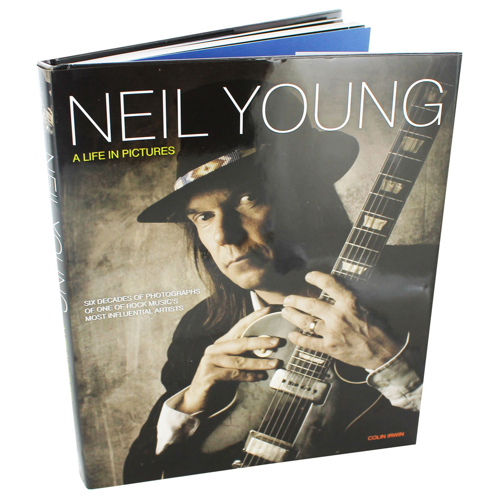 YOUNG, NEIL-A LIFE IN PICTURES